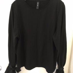 Agnes & Dora Bow Sleeve Sweatshirt Top Size Medium